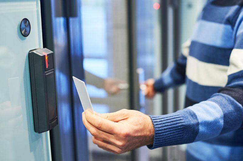 Kontrola dostępu i rejestracja czasu pracy